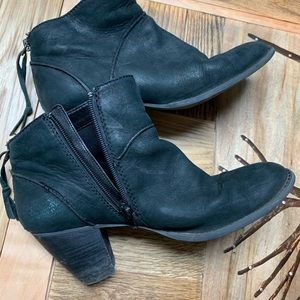 Tesori Black Leather Ankle Boots